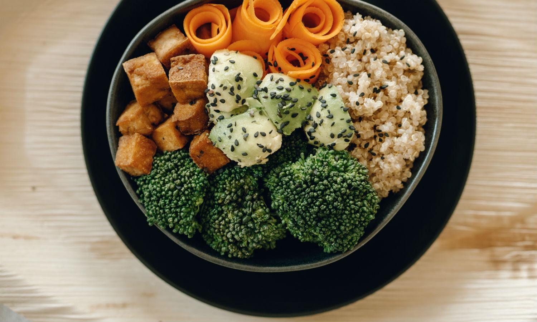 Resepti: Simppeli kvinoabowl